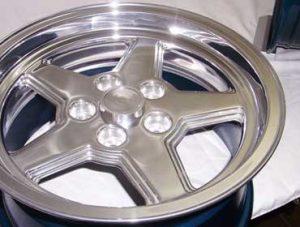 Зеркальная полировка литых дисков