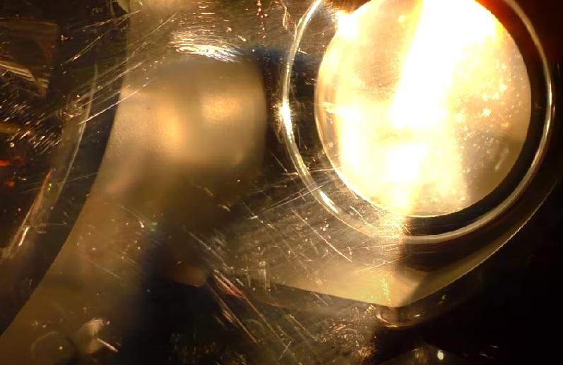 полировка фар внутри царапины на стекле
